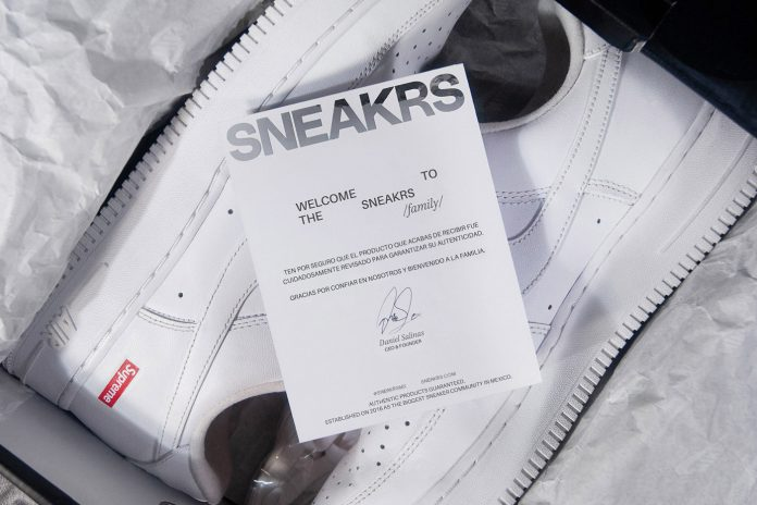 SNEAKRS brand and packaging design by Brada.