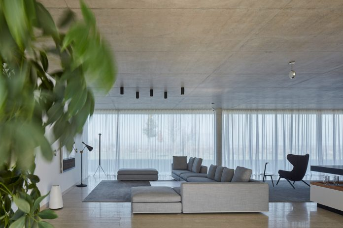Kostelec Residence by the architects of studio ADR