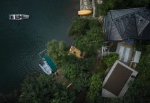 Architecture studio Prodesi/Domesi designed a cottage inspired by a ship cabin