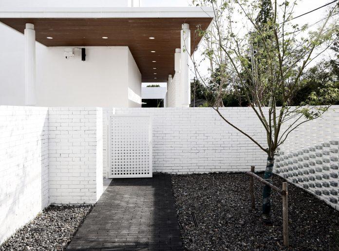 Inner courtyard at B&B building area © Yan Yang