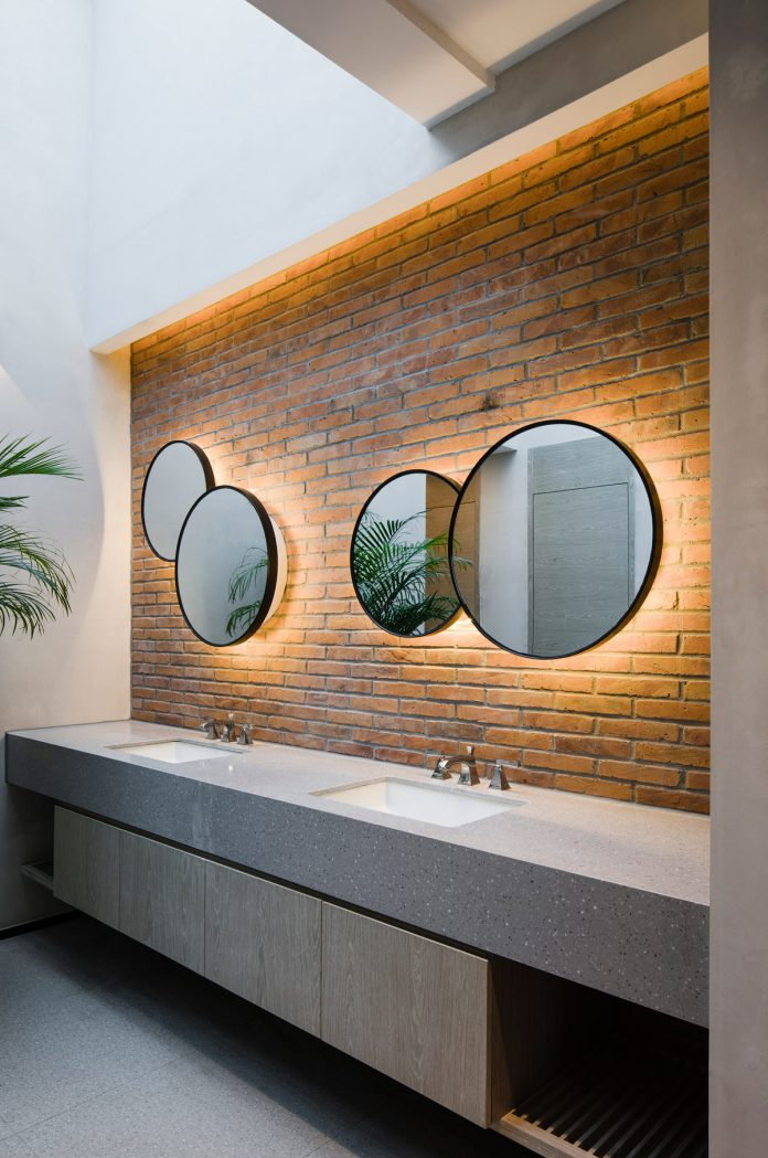 Washroom at public area © Peter Dixie, Lotan Architectural Photography